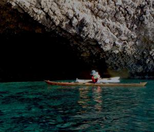 3 nautilus wooden kayaks Cabo de gata 2017 admirando el fondo