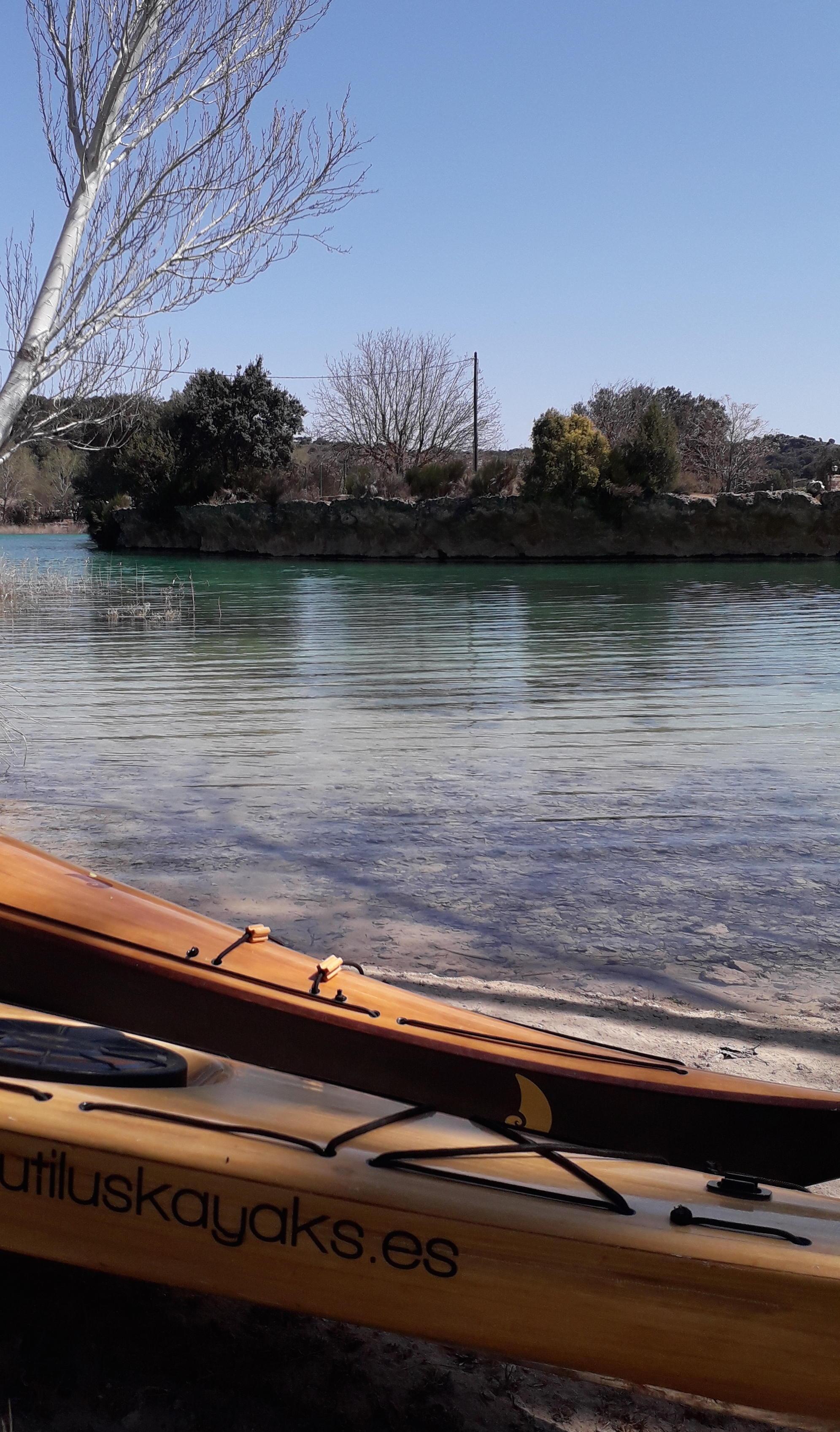 nautilus kayaks de madera lagunas de ruidera 6